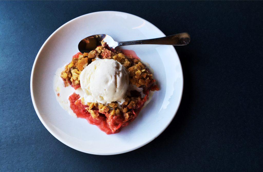 Strawberry Rhubarb Crisp featured