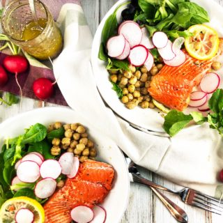 Lemony Salmon with Za'atar Spiced Chickpeas Bowl