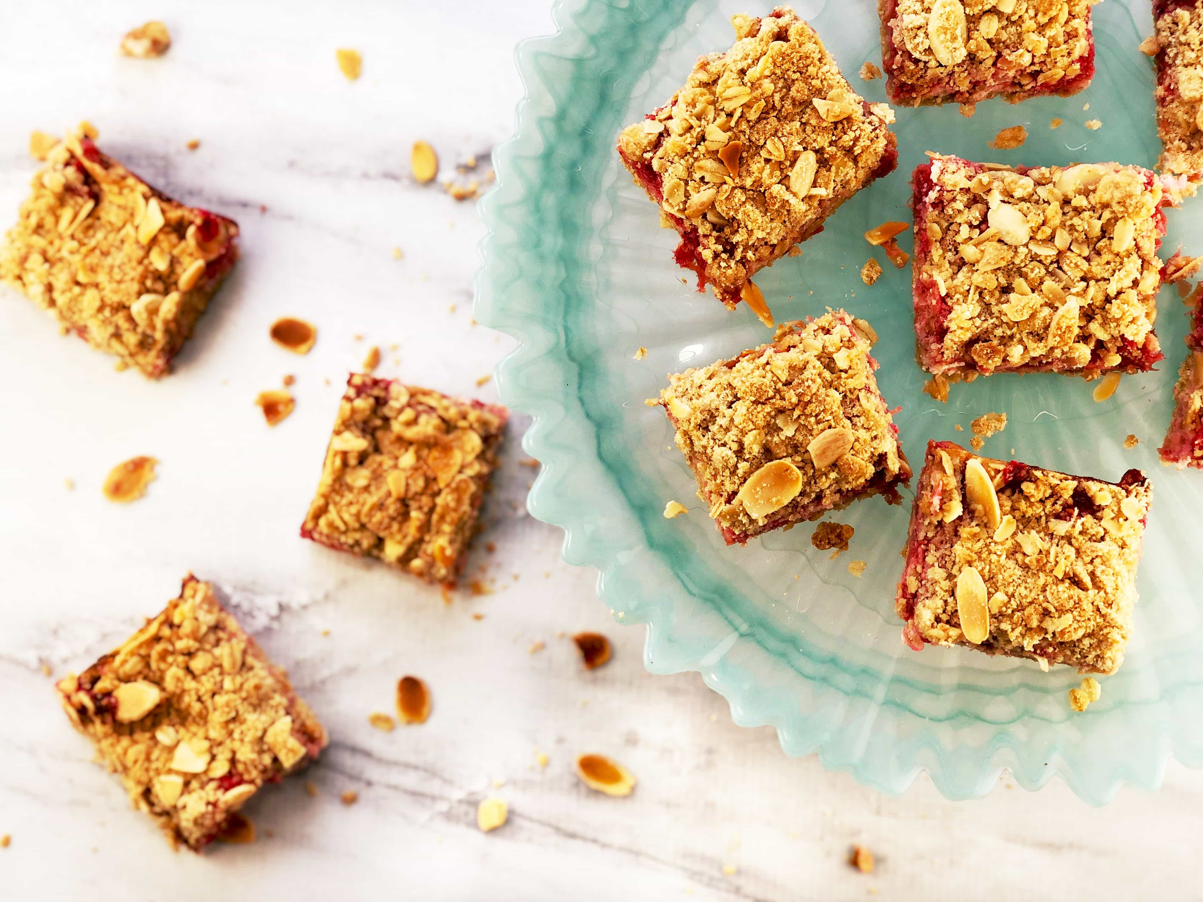 Rhubarb Cheesecake Crumble Bars