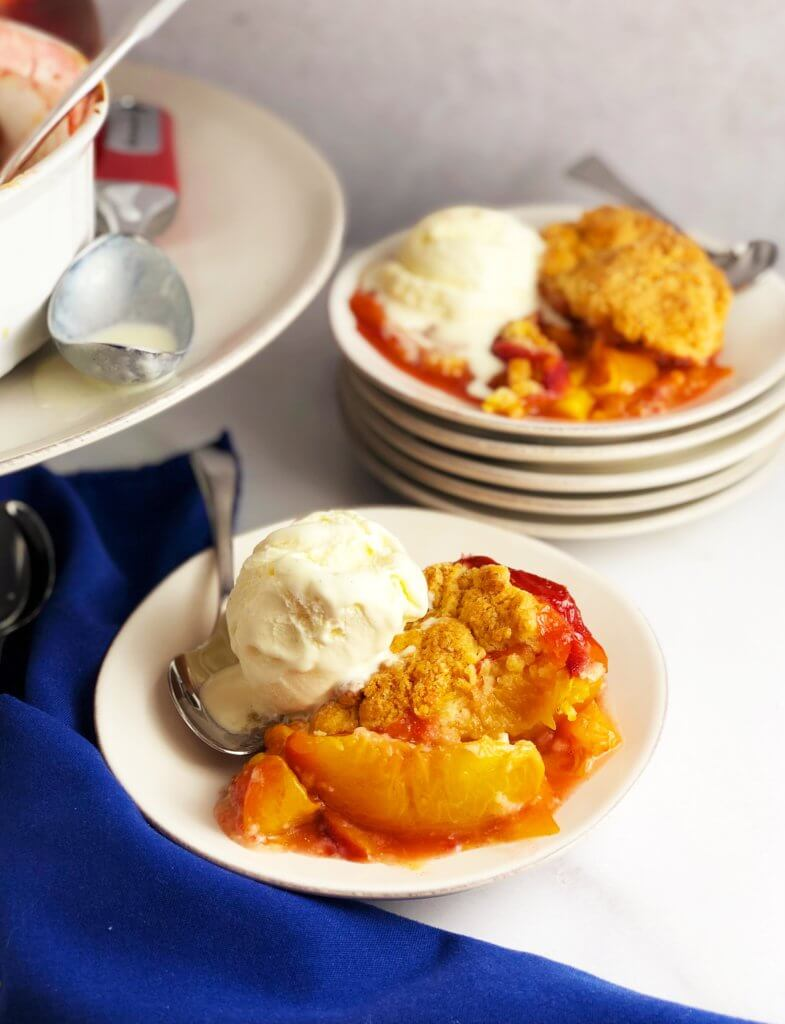 Fresh Peach Cobbler ala Mode